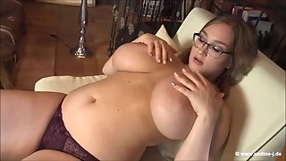 Chubby girl with huge boobs solo video
